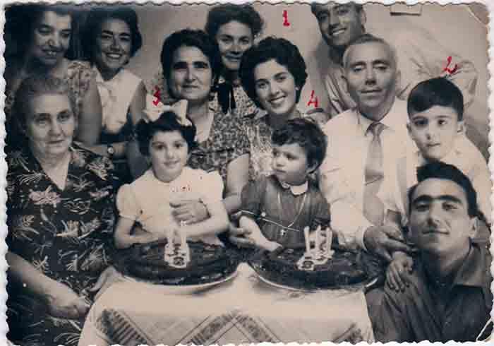"""Fotografia di famiglia esposta da Michela Depetris """"A Mina"""" 2012"""
